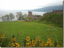 Urquhart castle and Loch Ness (Small)