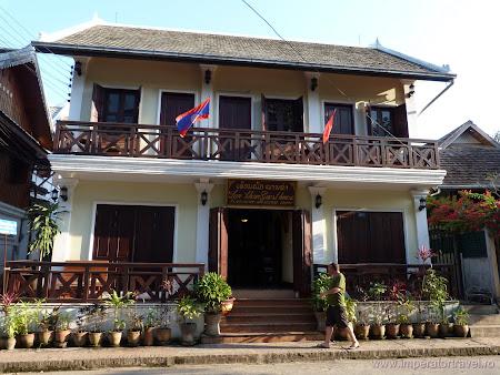 144. casa traditionala Luang Prabang.JPG