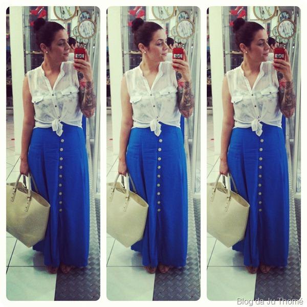 look saia longa azul e camisa branca