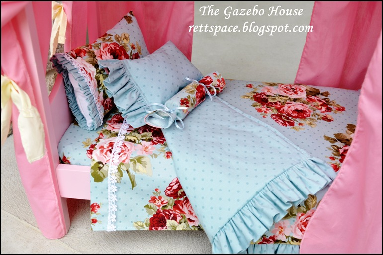 AG doll sheets, pillows & quilt 003