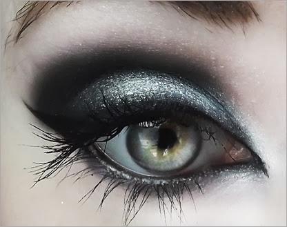 blue-toned-silver-smokey-eye