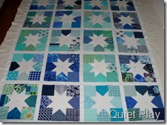 January quilt Charming Stars for do.good stitches