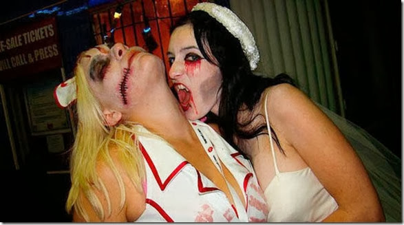 drunk-chicks-party-025