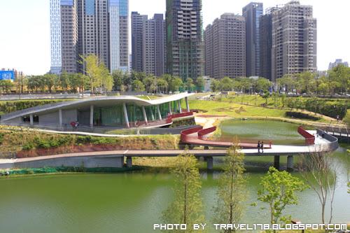秋紅谷公園