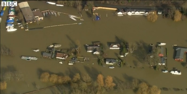Aerial view of flooding along the Thames River, 10 February 2014. Flooded homes along the River Thames were evacuated and thousands more were at risk, with water levels rising for the next 24 hours. Photo: BBC News