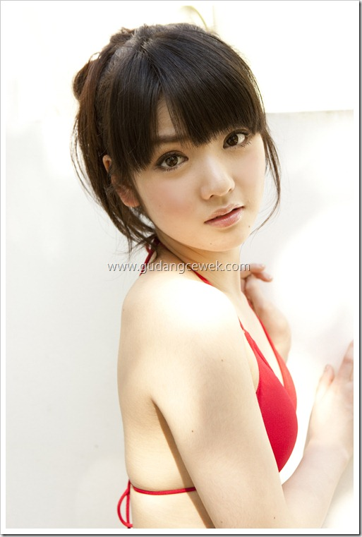Sayumi Michishige Hot With Red Bikini || gudangcewek.com