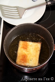 Sirene v plik s meden sos i susam_8902a