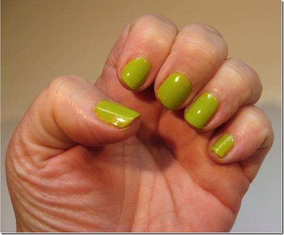 Appletini nails