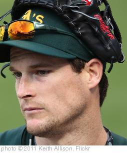 'Oakland Athletics left fielder Josh Willingham (16)' photo (c) 2011, Keith Allison - license: http://creativecommons.org/licenses/by-sa/2.0/