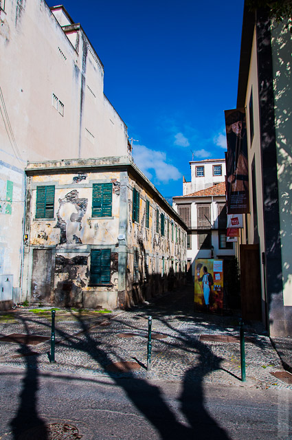 123. Февраль. Мадейра. Фуншал. Улочки города.