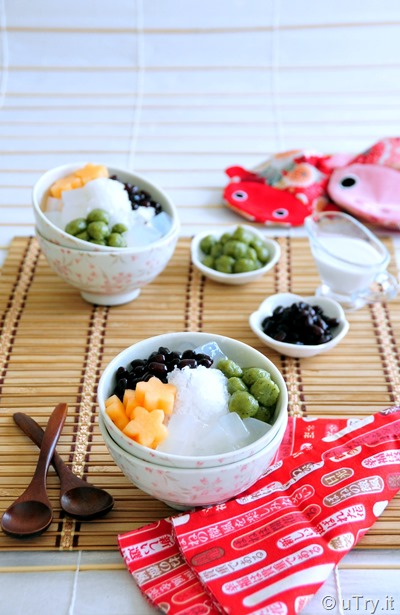 Coconut Shaved Ice with Matcha (Green Tea) Mochi    http://uTry.it