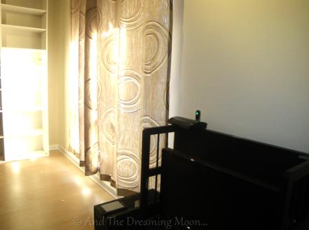 moon review of benjamin moore aura waterborne interior paint. Black Bedroom Furniture Sets. Home Design Ideas