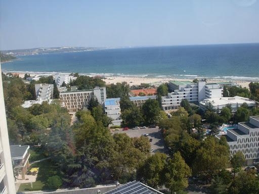 """Panoramabilde av Albena tatt fra topen til hotell """"Dobrudza"""""""