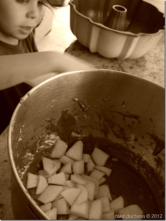 gingerbread-apple-bundt-cake-5