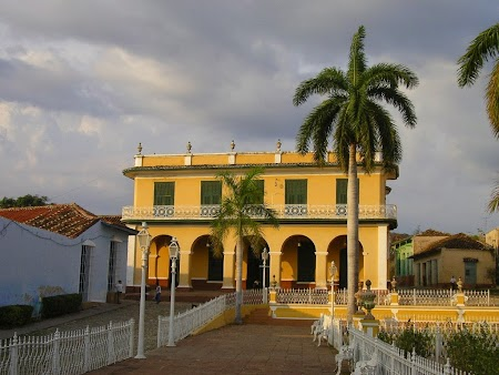 16. Piata centrala Trinidad.JPG