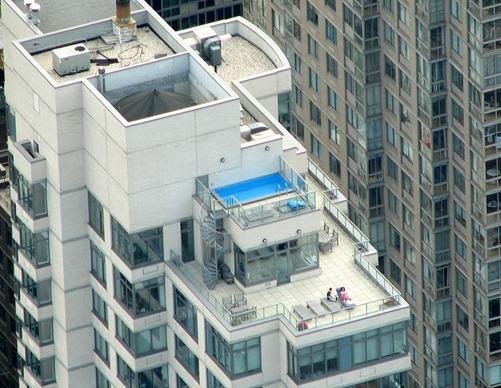 nueva york piscina en el techo de un rascacielos