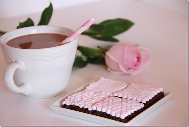 IMG_5751_rosa_brownies_marsipan_browniebiter