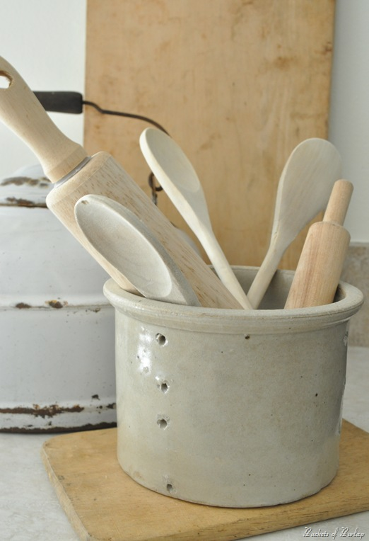 cheese pot wooden spoons