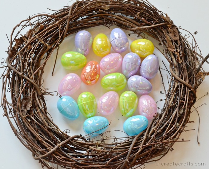 DIY Easter Egg Wreath for Beginners at UCreate