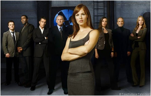 Jennifer Garner leads the cast of ALIAS.