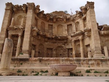 11. Templul nimfelor Jerash.JPG
