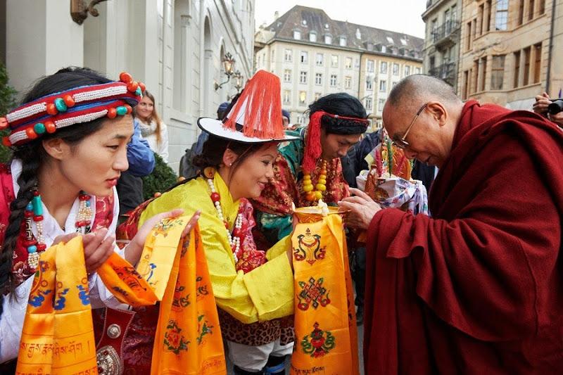 Thời sự tin tức Phật giáo thế giới - Người Áo Lam - 006