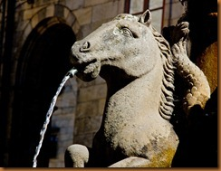 Santiago, horse fountain