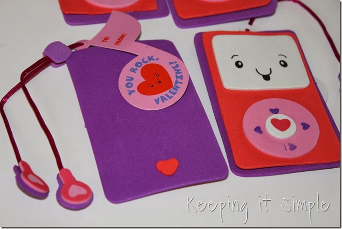 easy-valentine-kids-crafts #orientaltrading (13)