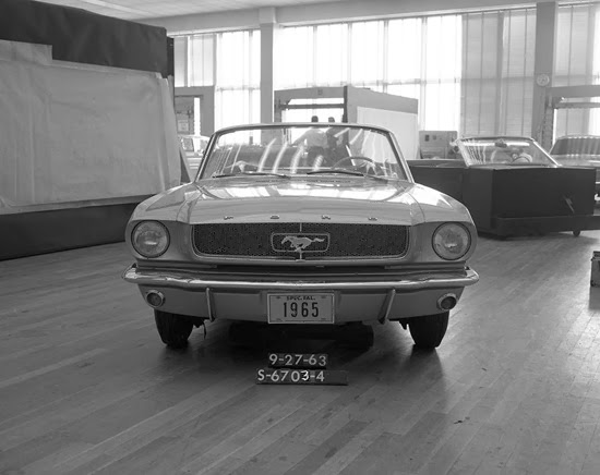 s-6703-4_ford_mustang