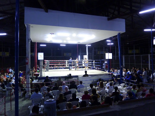 Later that evening, time for Muay Thai boxing!
