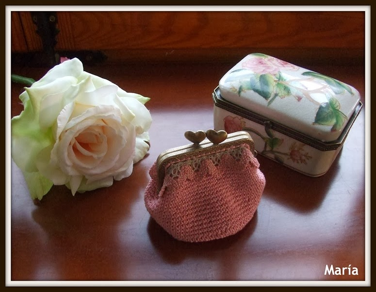 Monedero rosa con boquilla-2