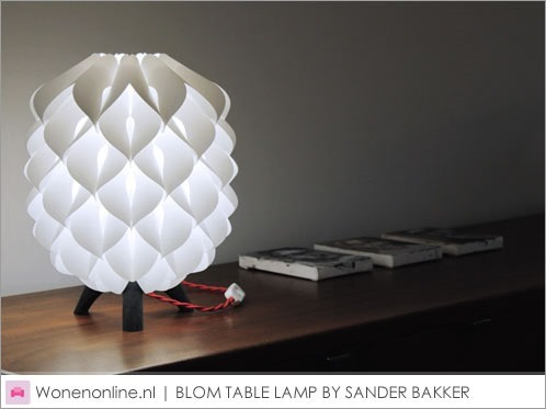 BLOM-TABLE-LAMP-BY-SANDER-BAKKER