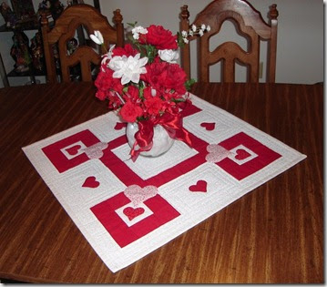 pine point designs valentine table topper free quilt pattern