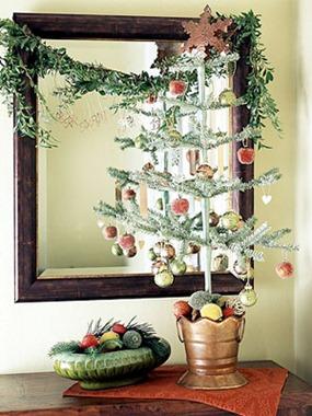 Decoración navideña con árboles de sobremesa