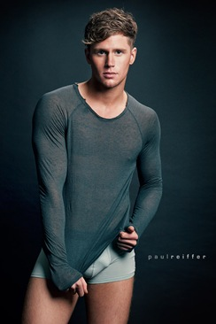Sam-Kneen-by-photographer-Paul-Reiffer-02