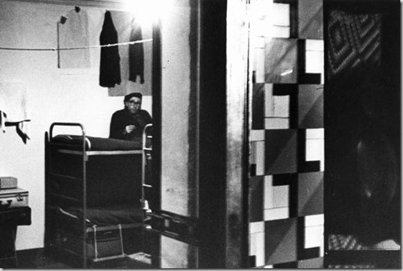 Dormitorio nell'ex casa di tolleranza di Via Fiori Chiari, Milano, 1963
