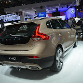 2013-Volvo-V40-Cross-Country-4.jpg