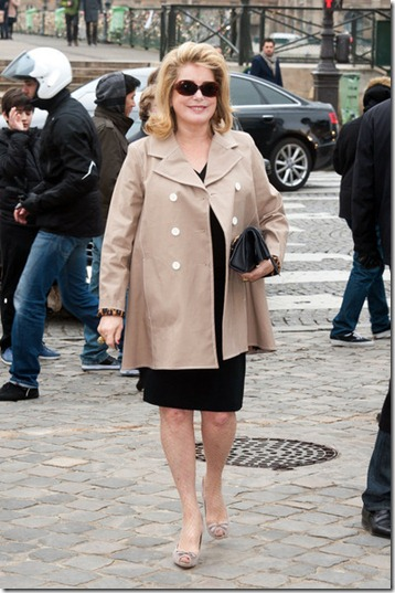 Catherine Deneuve Celebs Louis Vuitton Show Bh29m2Ghn2Gl