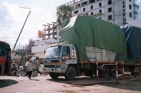Poipet: camion Cambogia