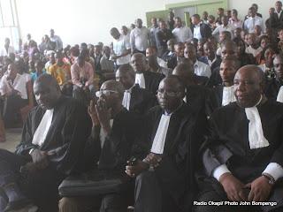L'assistance à la prestation de serment des avocats stagiaires de barreau de la Gombe le 27/09/2011 au palais de justice à Kinshasa. Radio Okapi/ Ph. John Bompengo