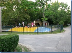7763 Lundy's Lane - Niagara Falls KOA - walk through campground