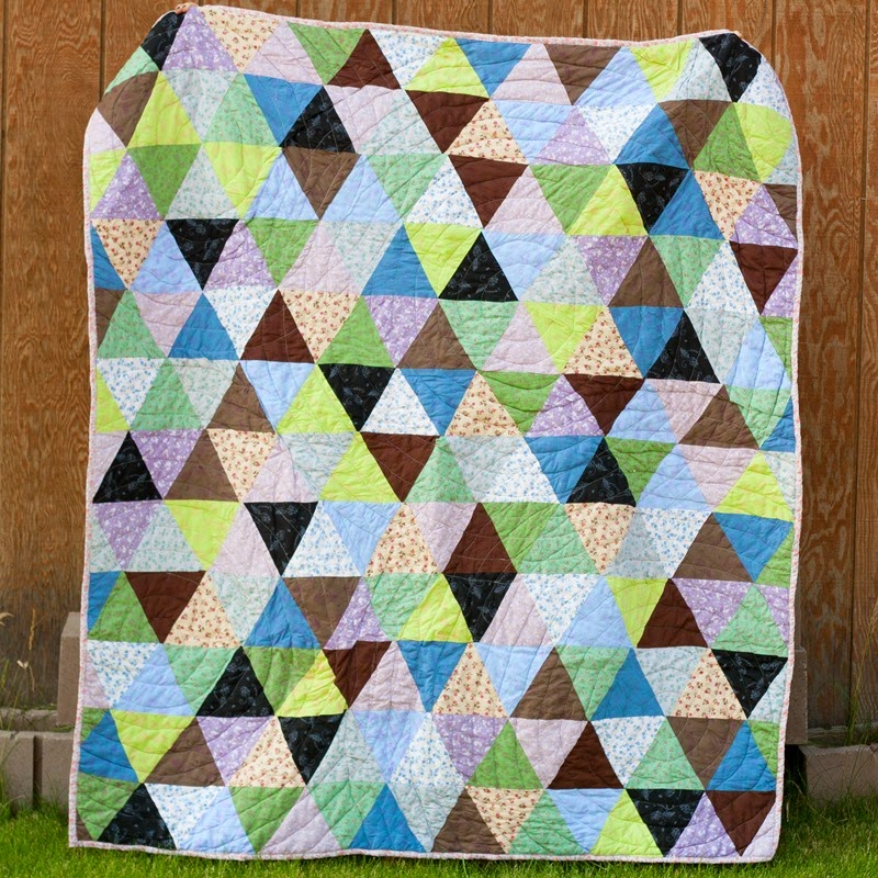 triangle quilt it's the thought that counts sew a straight line-2