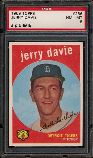1959 Topps 256 Jerry Davie yellow logo
