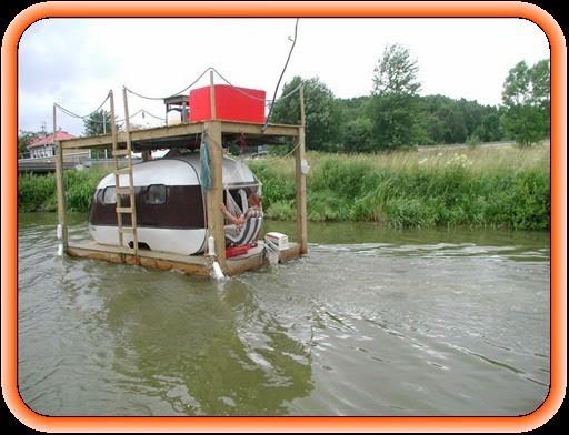 Caravan on raft