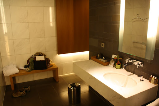 Nice shower rooms at the Frankfurt First Class Terminal