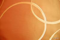 """Luksusowa tkanina typu """"tafta"""". Na zasłony, poduszki, narzuty, dekoracje. Dwustronna. Brzoskwiniowa, pomarańczowa."""