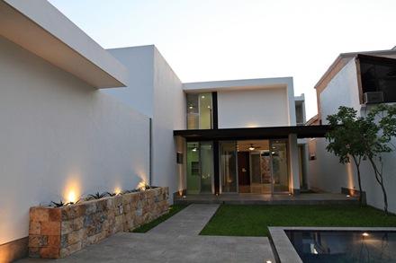 arquitectura-casa-moderna-Punto-Arquitectónico