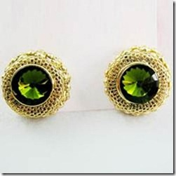 earring with green studs