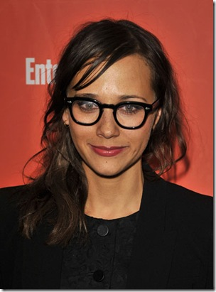 Rashida Jones Wearing Makeup With Glasses