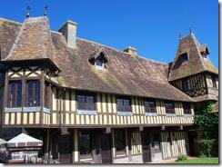 2012.07.20-006 manoir à Beuvron-en-Auge